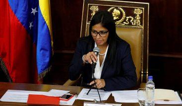 Autorizan a Delcy Rodríguez a dejar presidencia de Constituyente venezolana
