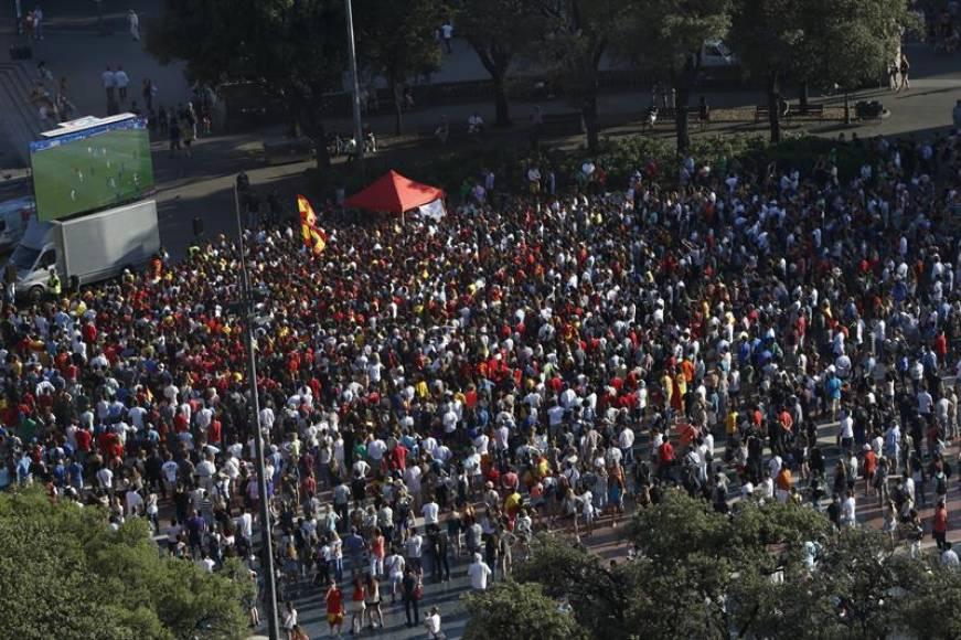 Ayuntamiento de Barcelona impide poner pantalla gigante para el España-Rusia