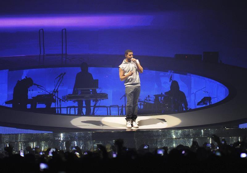 Drake anuncia un nuevo tema que incluye la voz de Michael Jackson