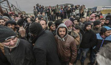 Cientos de familias Siria huye por la presión de los rebeldes