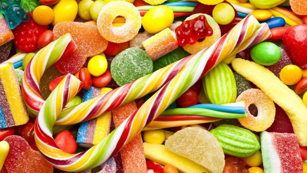 Reino Unido quiere prohibir la venta de dulces para reducir la obesidad infantil