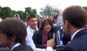 Macron regaña a un estudiante y dice que le llame