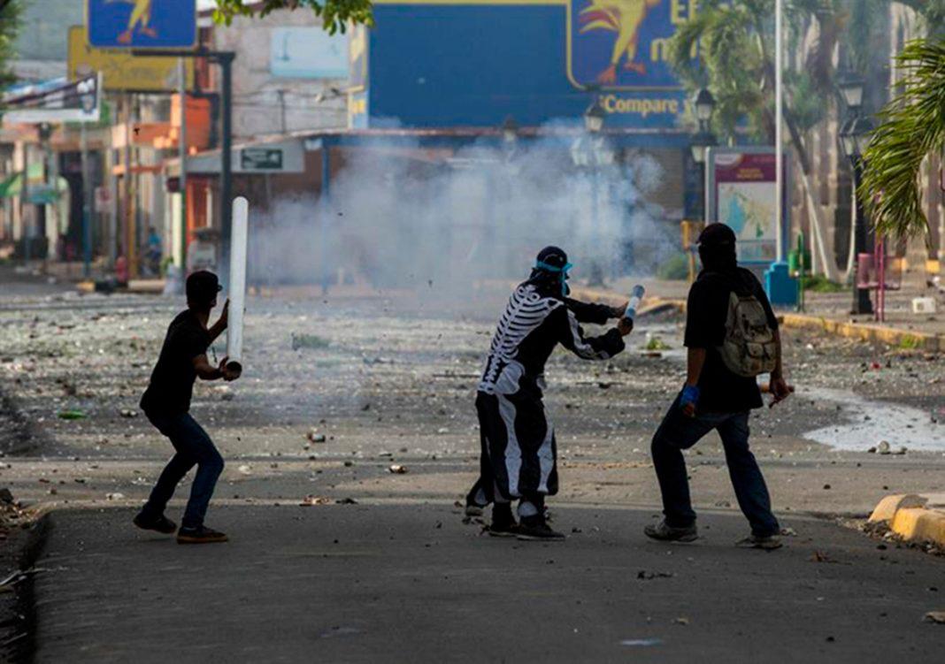 Tensión aumenta en Nicaragua tras noche con un niño muerto y 20 heridos
