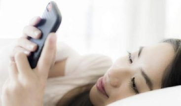 Los múltiples beneficios de no mirar el móvil antes de ir a dormir
