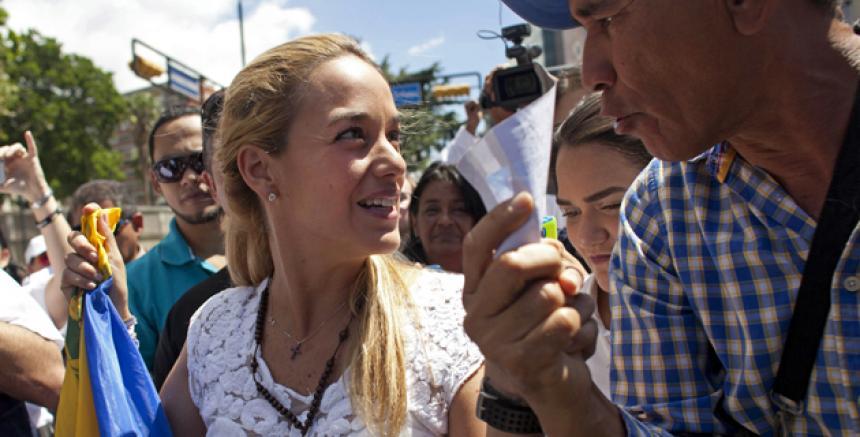 Tintori dice desconocer si su esposo Leopoldo López será liberado