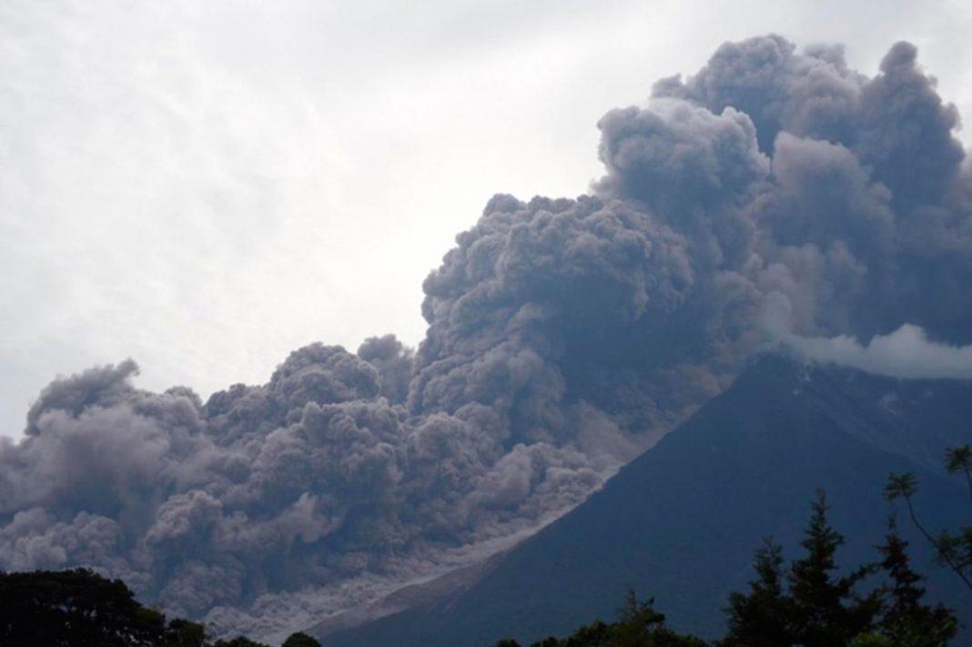 Dos menores y una mujer guatemalteca víctimas de erupción, trasladados a EEUU
