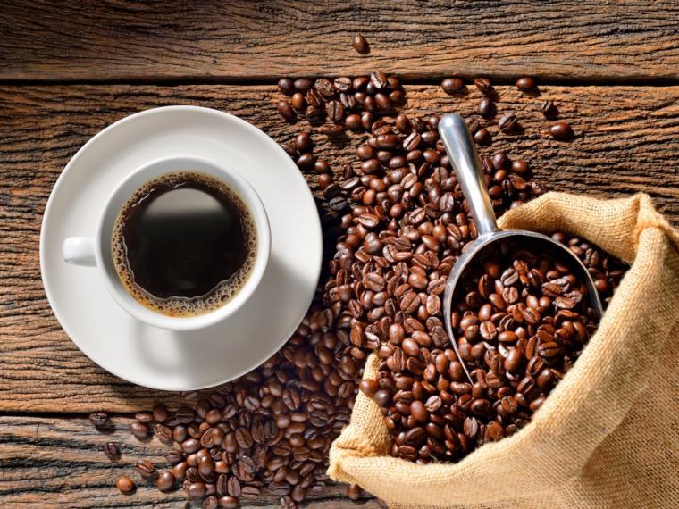 Abuso de café puede aumentar presión arterial y alterar sistema nervioso