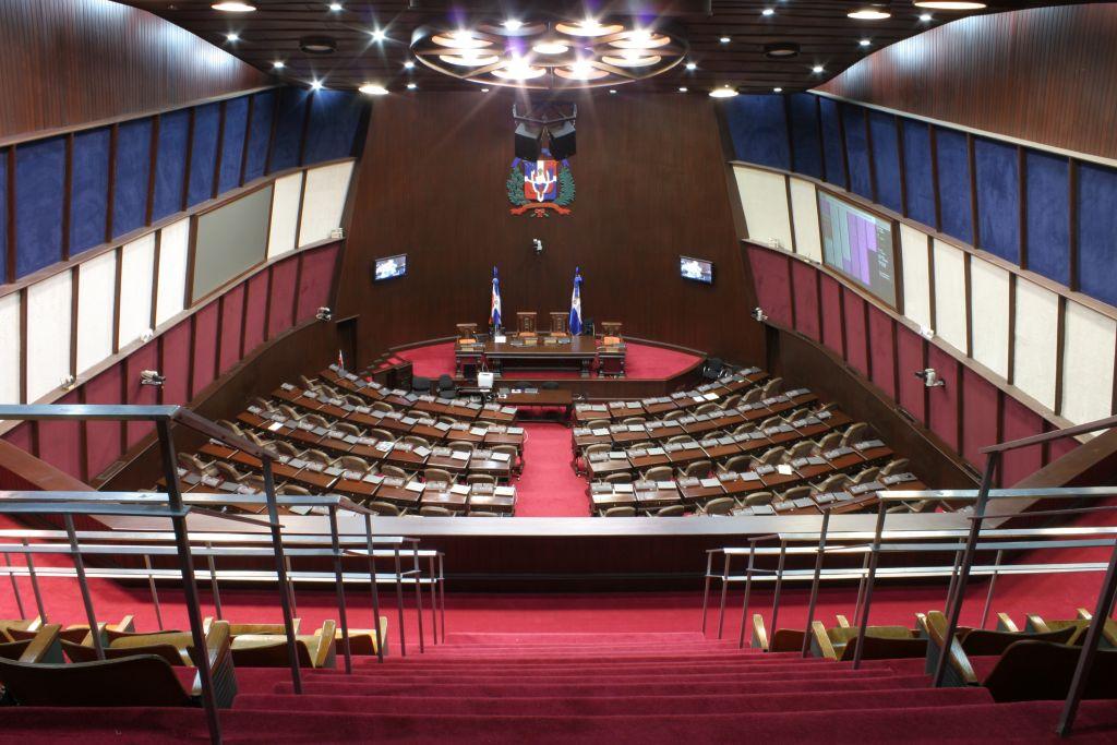 Piden acoger resolución que fija tarifa única para obtención documentos a dominicanos en el exterior