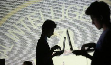 Supuesto informador de WikiLeaks que reveló el 'hackeo' de la CIA se enfrenta a 135 años de prisión