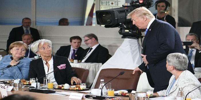 Trump añade suspense a la Cumbre del G7 al aparecer tarde al desayuno