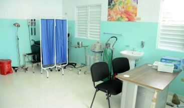 Vicepresidenta inaugura centro de salud en San Cristóbal