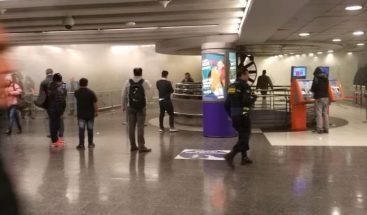 Metro de Santiago de Chile suspende servicio por incendio en estación