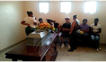 Velan restos infante de un año asesinado por su padrastro