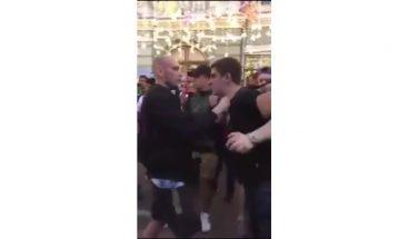 Unos rusos se pelean y un mexicano los intenta calmar al grito de