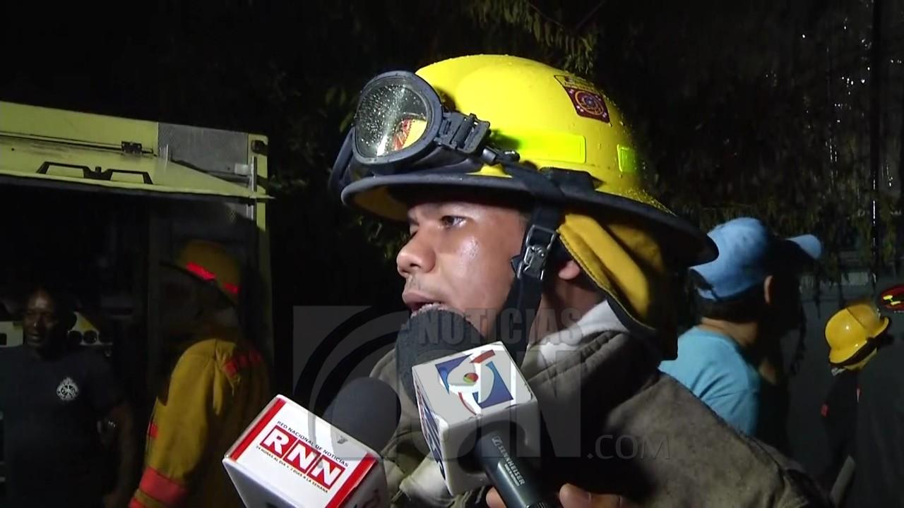 Incendio destruye fábrica de plástico en SDE