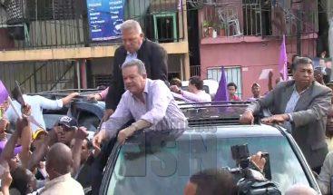 Ex presidente Leonel Fernández se lanza a las calles en busca del triunfo en 2020