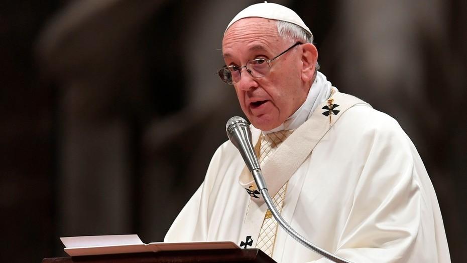 El papa insta a no convertir las redes sociales en