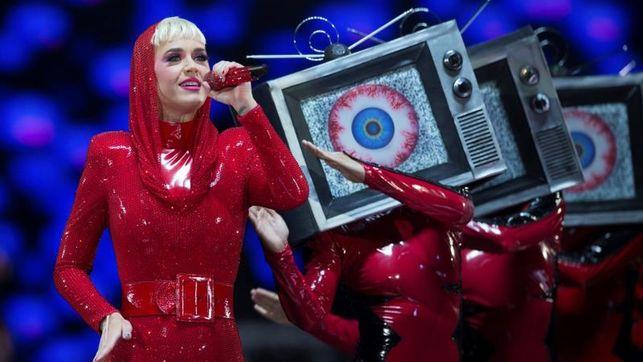 Katy Perry deslumbra en Barcelona con un concierto espectacular y excesivo