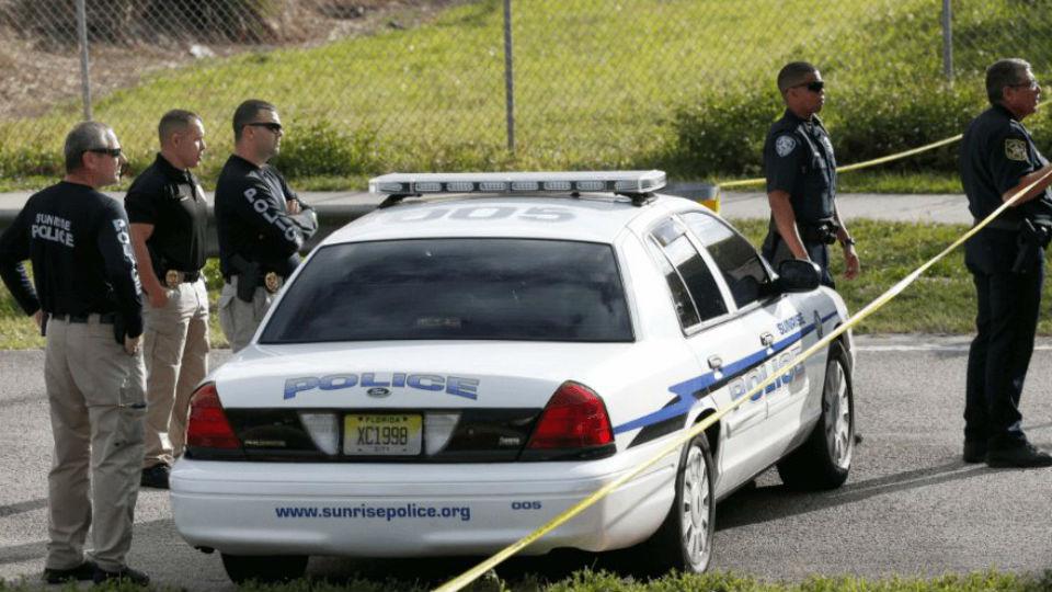 Hombre atrincherado en Florida mata a cuatro niños y después se suicida