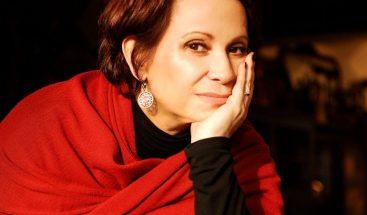 La actriz mexicana Adriana Barraza explora en teatro el miedo a la enfermedad