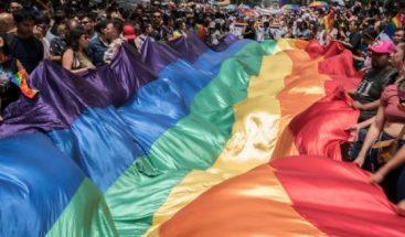Comunidad LGBT marcha en Ciudad de México bajo el lema