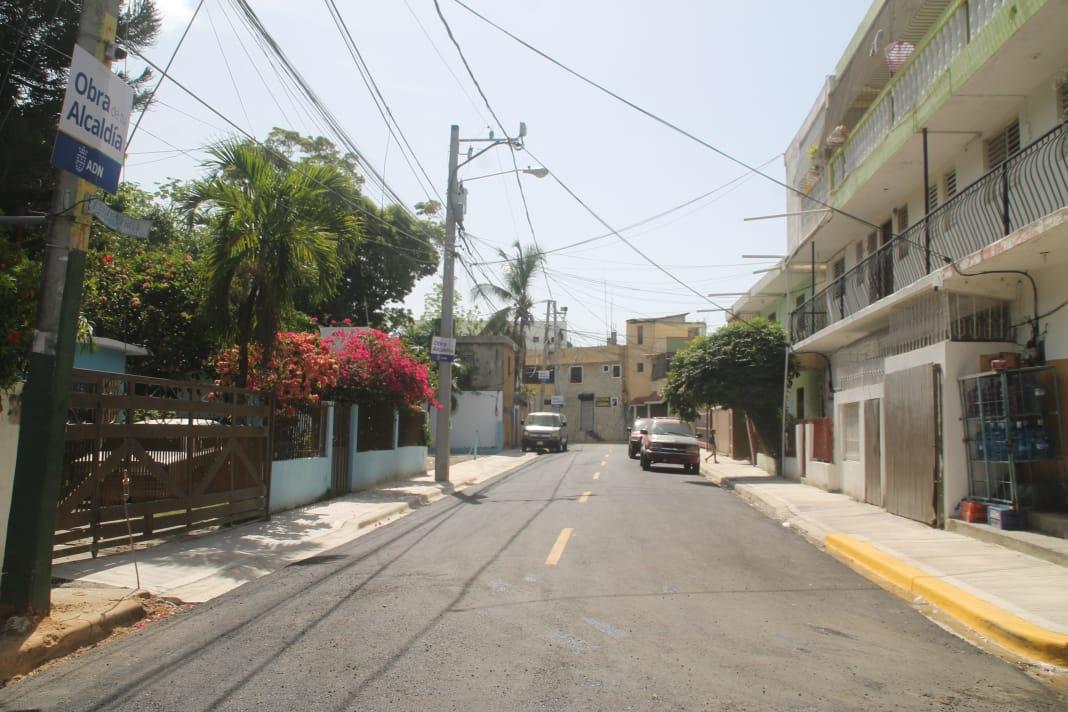 Alcalde DN entrega obras comunitarias en el kilómetro 9 carretera Sánchez
