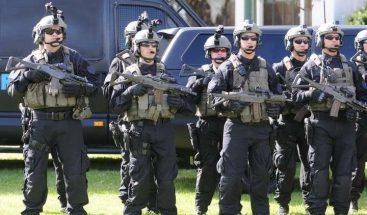 Desarticulan supuesta banda en Argentina que transportaba droga en trofeos del Mundial