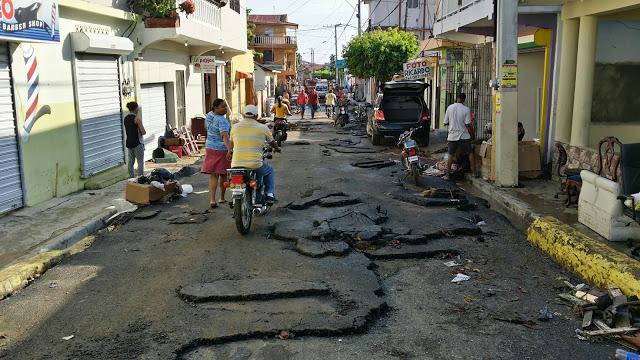 Paralizan tránsito por mal estado de calles en la provincia Espaillat