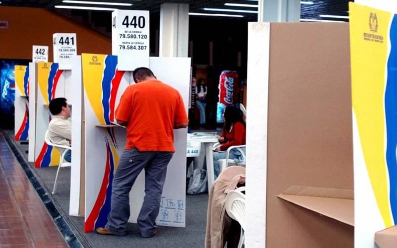 Las elecciones en Colombia avanzan con alta participación y sin contratiempos