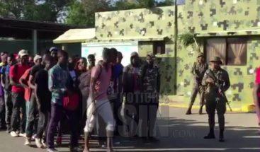Cesfront devuelven 2 mil haitianos en una semana