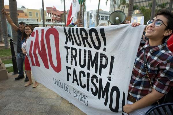 Decenas de personas protestan en EEUU por separación de familias inmigrantes