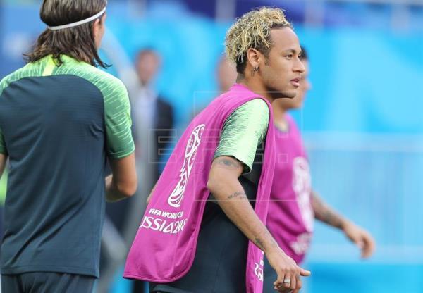 Neymar sale de inicio en el debut de Brasil ante Suiza