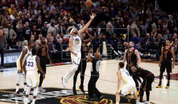 102-110. Durant fue mejor que James y Warriors están a un triunfo del título