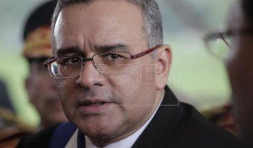 Fiscalía salvadoreña ordena la captura de expresidente Funes y 30 allegados