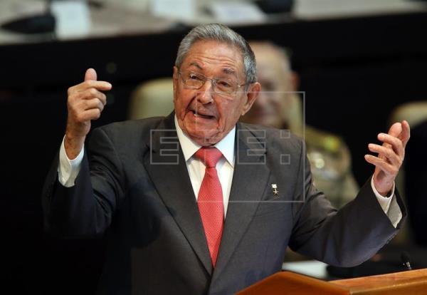Raúl Castro liderará la reforma de la Constitución cubana