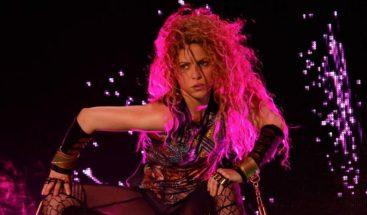 Shakira retira de su gira el colgante con un símbolo utilizado por los nazis