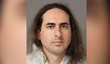 Prisión sin fianza y 5 cargos de asesinato para atacante de periódico en EEUU