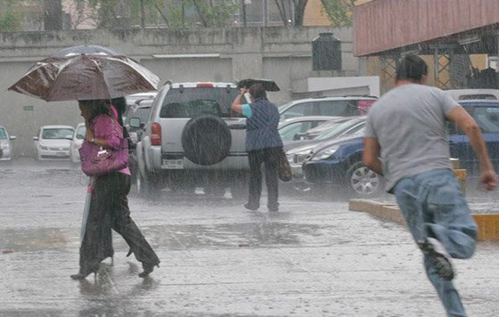 Continuarán los aguaceros debido a una onda tropical, según Onamet