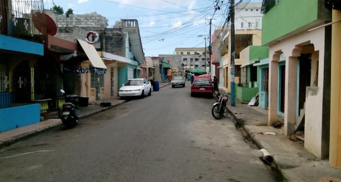 Moradores del barrio 24 de abril se lanzan a la calle en reclamo de energía eléctrica