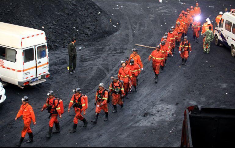 Al menos cinco muertos en un corrimiento de tierra en una mina en Indonesia