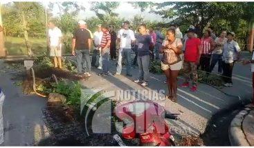 Moradores exigen arreglo de sus calles en Monseñor Nouel
