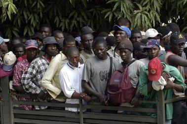 Haitianos denuncian fueron estafados con un viaje a Taiwán