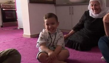 Niño de tres años sorprende al hablar inglés sin haberlo aprendido