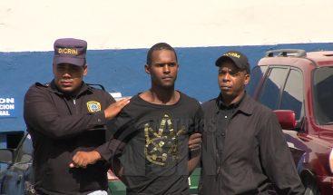 Policía continúa con interrogatorios a joven acusado de matar mujer dentro de una joyería