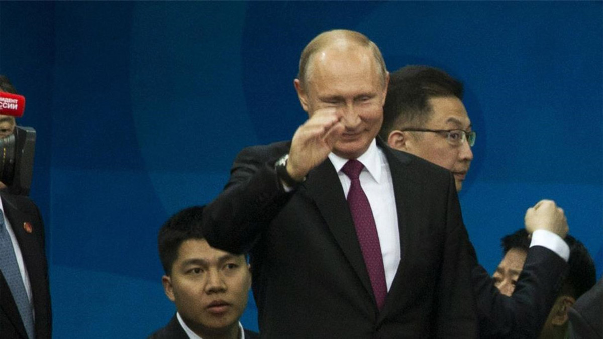 Putin da la bienvenida a los deportistas y aficionados que viajan al Mundial