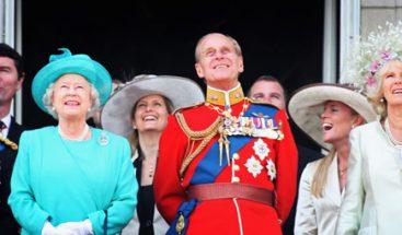Isabel II presencia la ceremonia de su cumpleaños arropada por su familia