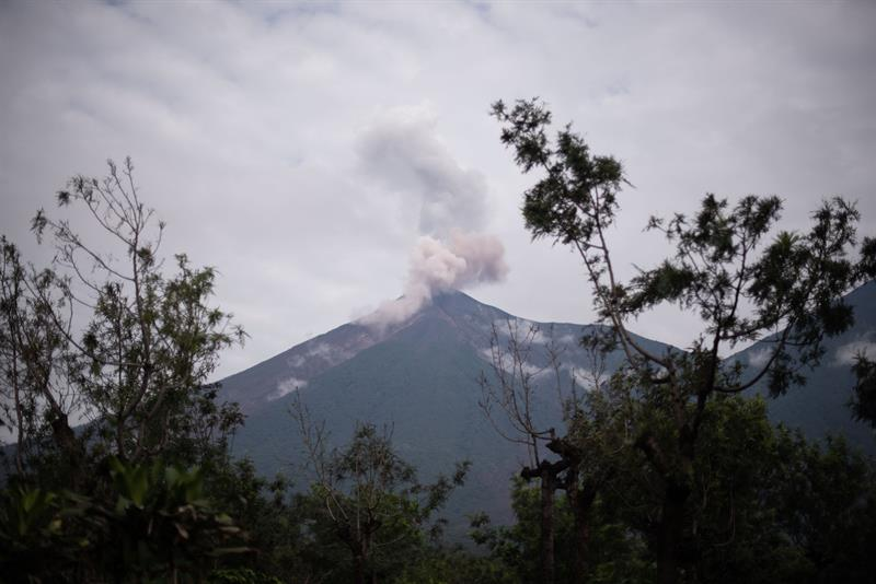 El volcán de Fuego de Guatemala genera 5 explosiones por hora