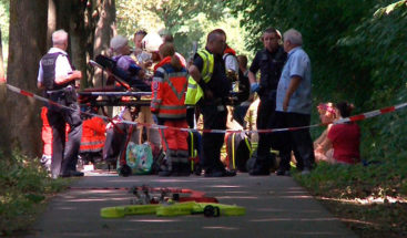 Un hombre hiere con cuchillo a 14 personas en un autobús en el norte de Alemania