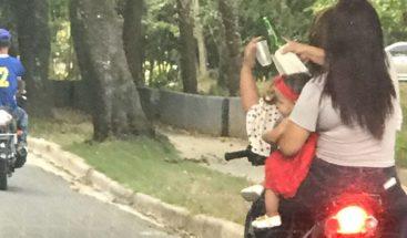 Autoridades identifican mujeres que transitaban en pasola con menor y tomando alcohol
