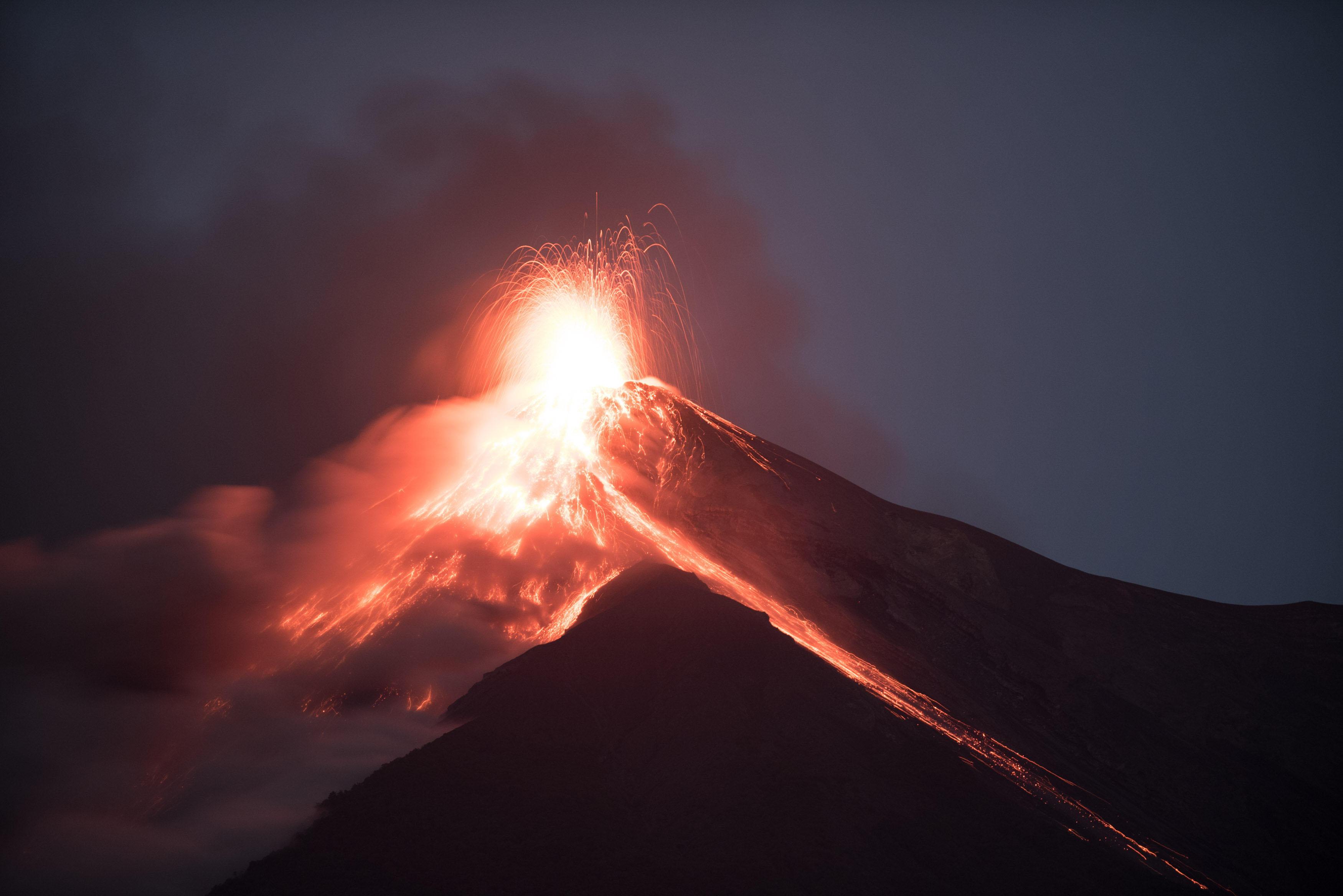 Aumentan a 138 las víctimas mortales del volcán de Fuego de Guatemala